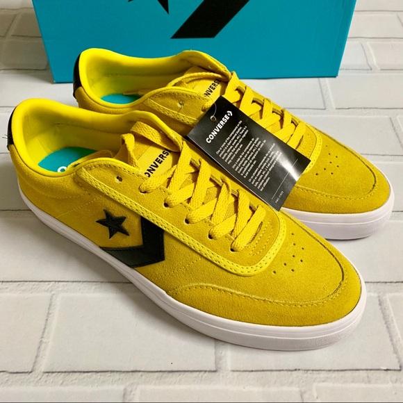 a1a4e2b60d8 New Men s Converse Courtland Ox US 9.5 Yellow Shoe
